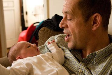 Pourquoi il est important de chanter avec son bébé !