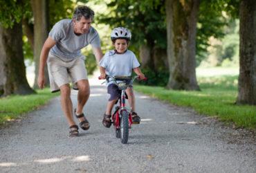 Comment apprendre à son enfant à faire du vélo en 15 minutes ?