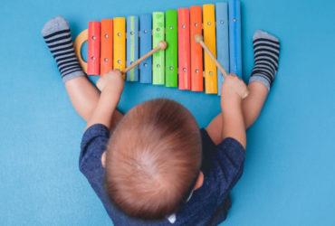 Les meilleurs instruments de musique pour les bébés